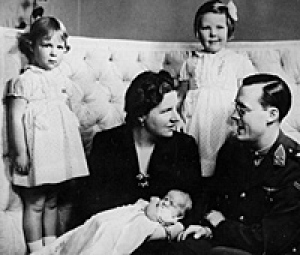 Princess and the Tulips Royal Family