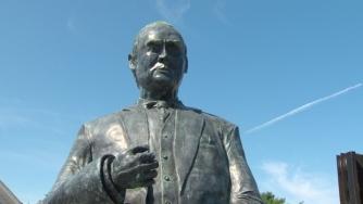 Bennett Statue